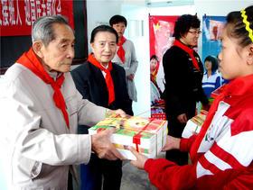 陈惕生:91岁退休教师 将捐资助学坚持到底